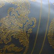 Ткань подкл. вискоза 48%; п/э 52%, №051 голуб. (золот. раст. узор)