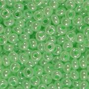 Бисер Preciosa Чехия (уп. 5 г) 37156 св.-зеленый перламутр. с цв. центром