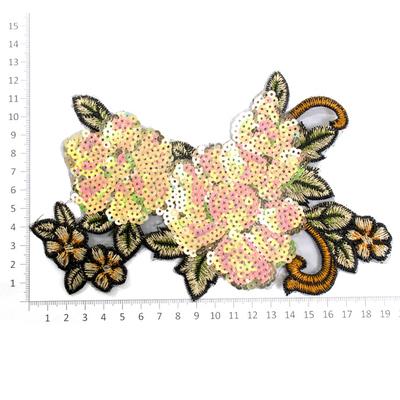 Аппликация пришивная YAN-1 «Цветок» с пайетками(7Б) в интернет-магазине Швейпрофи.рф