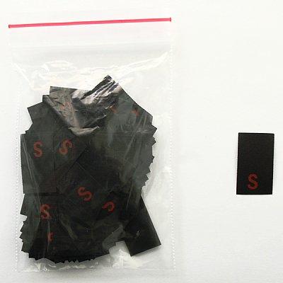 Размерники в пакетике (уп. 200 шт.) «S» красн. на черн. в интернет-магазине Швейпрофи.рф