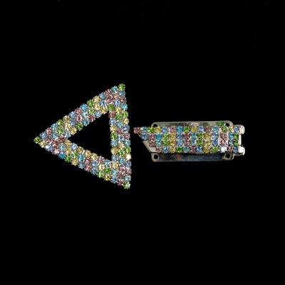Застежка AB002S треуг. со стразами клипса 6,5*4 см в интернет-магазине Швейпрофи.рф